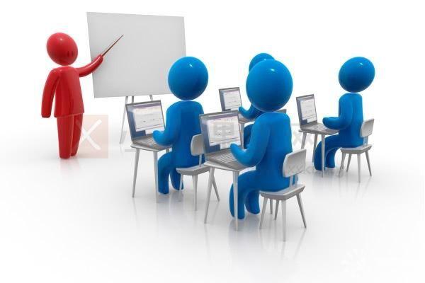 SEO经理组织培训与沟通
